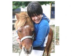 •''Aprendiendo a caballo'' Proyecto educativo ''Aprendiendo a caballo'' Hezkuntza proiektua(Colaboración con Iponey) (Iponey-rekin kolaborazioa) oPractica sobre el poney: Juegos en pista y en equipo Taldeko jolasak pistan oMotivación, confianza, seguridad, empatía, superación, enpatia, gainditzea, Motibazioa, konfidantza, seguritatea.