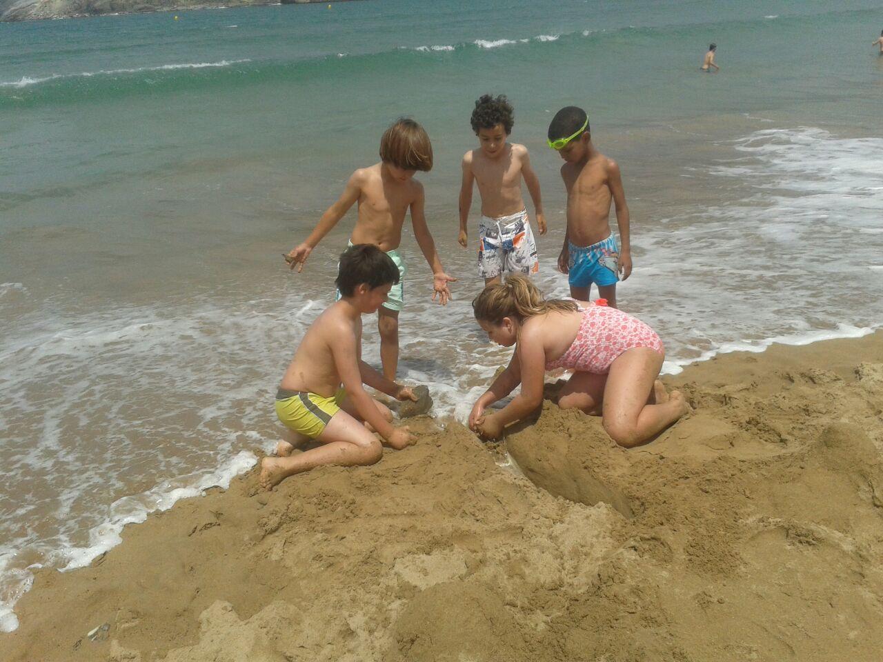 Aprovechando el verano: Talleres y playa