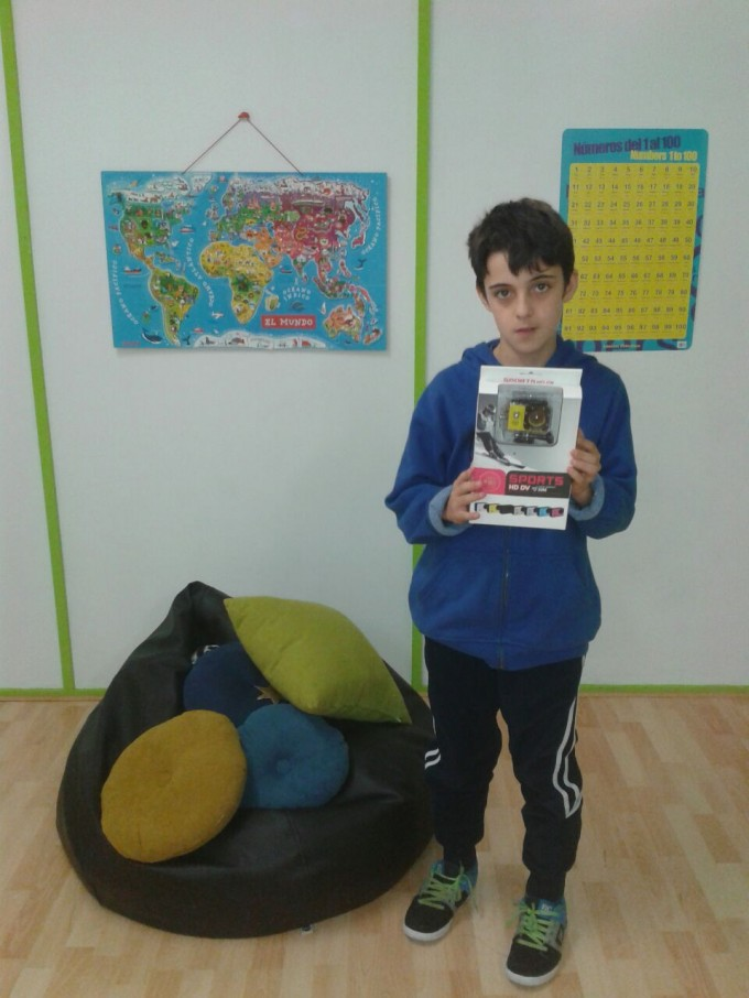 Aimar, en Ausarti, con el premio en sus manos.